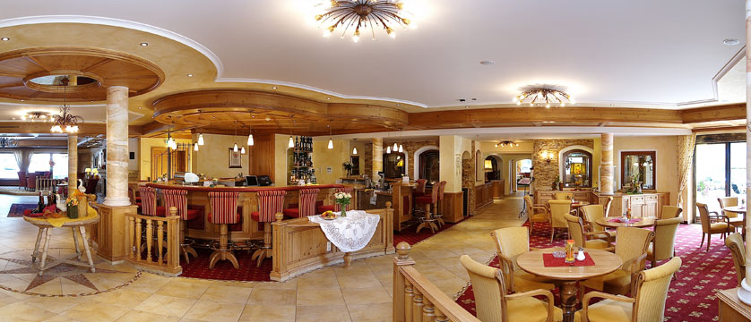 Hotel Das Pfandler, Pertisau, Lake Achensee, Austria - Bar area.jpg